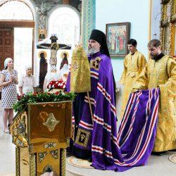 В день памяти святых благоверных Петра и Февронии Божественная литургия в Свято-Вознесенском соборе Геленджика